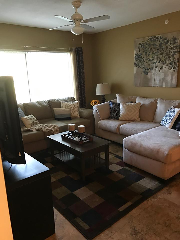 2600-120 living room 2