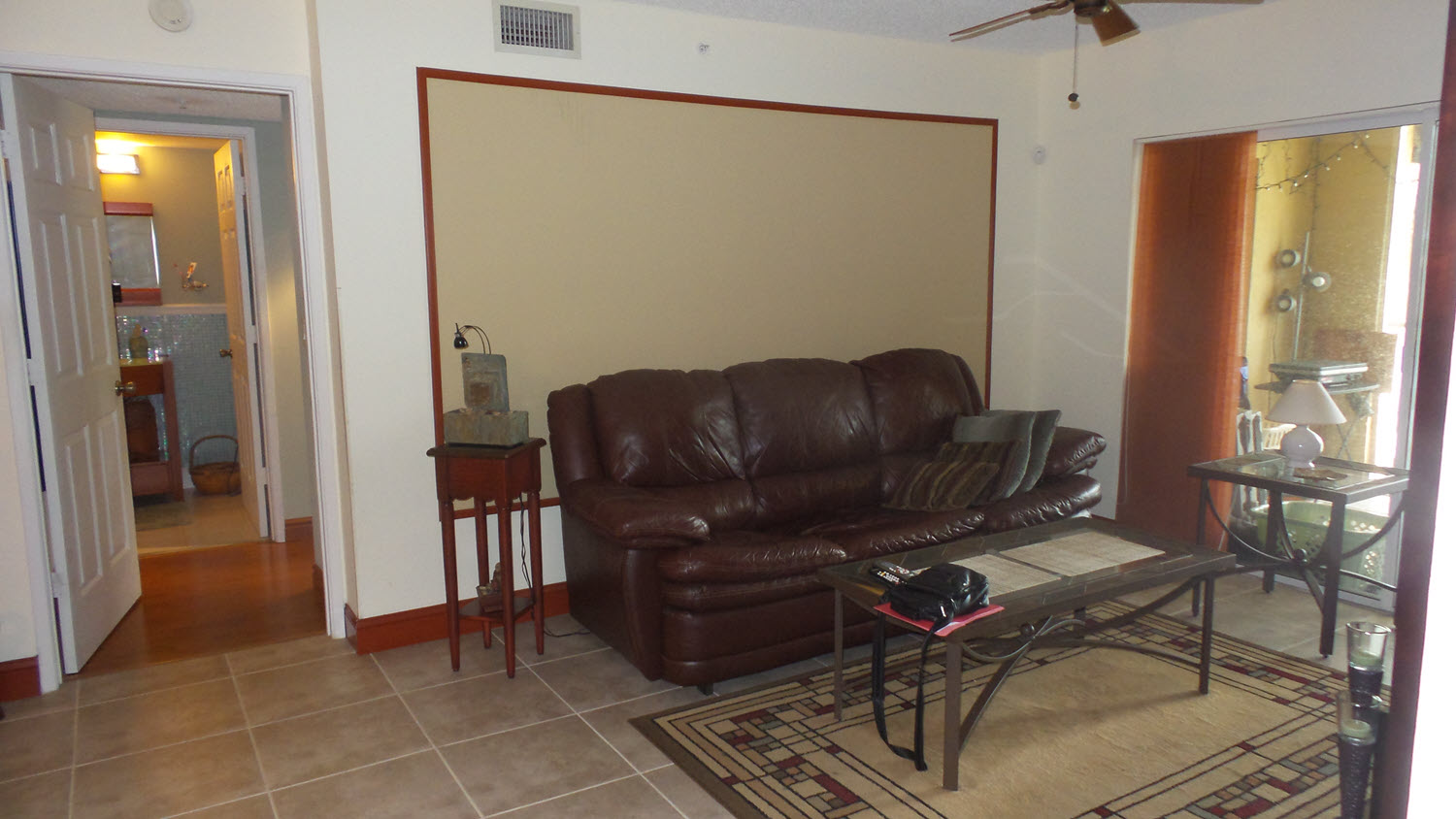 living room royal grand 2600-212 before painting